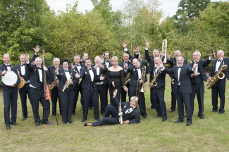Bigbands in het Bos: Mid West Band en JaZZcape